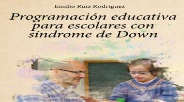"""El presente libro del autor Emilio Ruiz Rodríguez proporciona un instrumento práctico para que los profesores, tanto de aula como especialistas, puedan recibir a un alumno con síndrome de Down en su clase y sepan de qué manera han de actuar. En este sentido, busca rebatir las justificaciones que muchos profesionales emplean con relativa frecuencia, que pasan del inevitable """"no sé qué hacer con él"""" al inexplicable """"ya lo he probado todo"""". Se presenta en un formato sencillo y manejable, de forma que cualquier maestro encuentre en él una amplia variedad de ideas aplicables en el aula."""