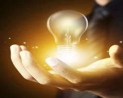 La innovación introduce novedades que provocan cambios; esos cambios pueden ser drásticos (se deja de hacer las cosas como se hacían antes para hacerlas de otra forma) o progresivos (se hacen de forma parecida pero introduciendo alguna novedad); en cualquier caso el cambio siempre mejora lo cambiado; es decir, la innovación sirve para mejorar algo. Los cambios drásticos suelen llevar asociado un alto coste y únicamente se incorporan en situaciones límite o estratégicas; sin embargo los cambios progresivos suelen llevar asociado un bajo coste y son perfectamente asumibles.