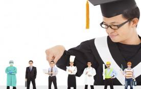 """Una de las decisiones más dificiles de los estudiantes es elegir la carrera universitaria. Esto ha favorecido la idea de que el título como tal no ofrezca ninguna garantía sobre el candidato, por lo que estudiar una carrera simplemente por estudiar """"algo"""", no tiene ningún sentido. Dicho esto, ¿cómo elegir la carrera adecuada para estudiar? ¿Cuáles son los mejores consejos para elegir bien la carrera?"""