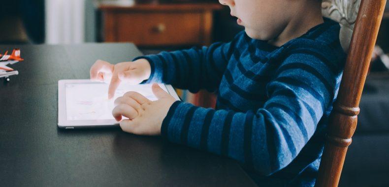 5 aplicaciones de iPad gratuitas para hacer videos en las escuelas de educación básica.
